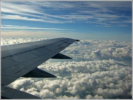 urlaub wolken flug flugpassagier